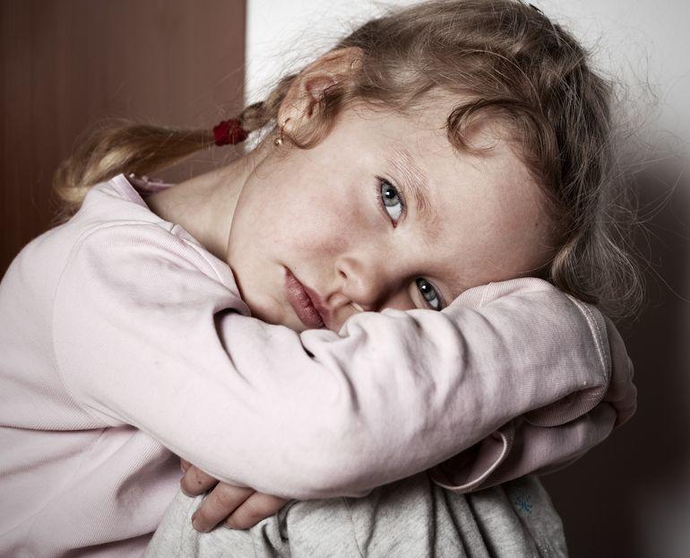 Verdrietig meisje, emoties overnemen